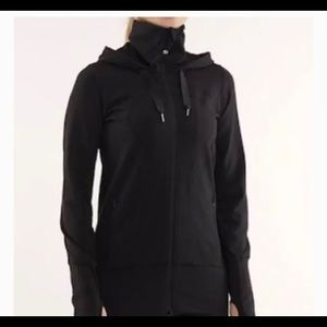 Lululemon size 6 stride jacket in black